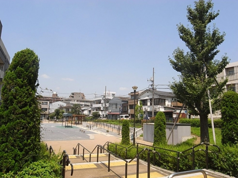 運動・遊具・防災の3つの目的を考慮したつくりになっている西霧ヶ谷公園。