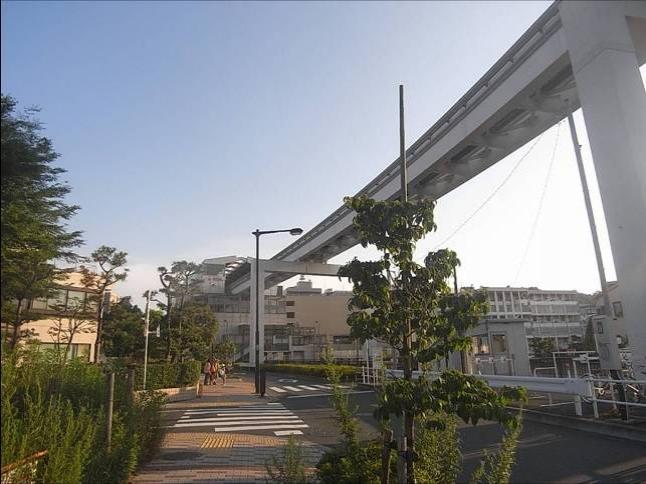 多摩都市モノレール立川北駅から高幡不動駅まで約12分