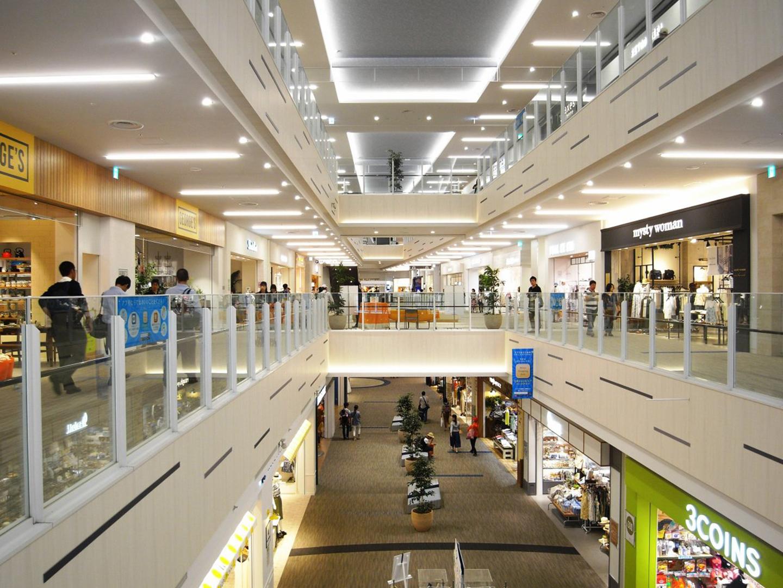 約240店舗が入る「ららぽーと立川立飛」。ファッション、雑貨、飲食など様々なお店が並ぶ