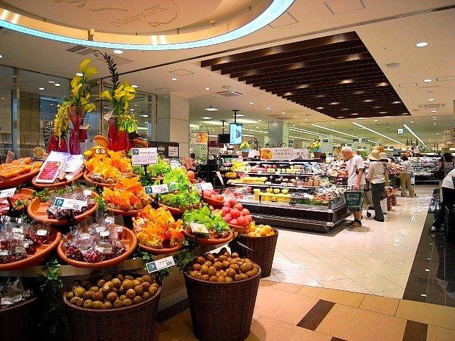 経堂コルティ内のスーパーは夜11時まで営業。