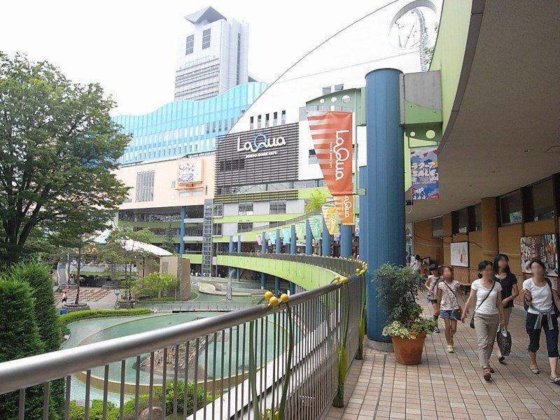 遊園地・ショッピング・スパも楽しめる。最寄り駅の水道橋駅まで電車17分